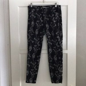 Old Navy Pixie Pants Size 4 Regular